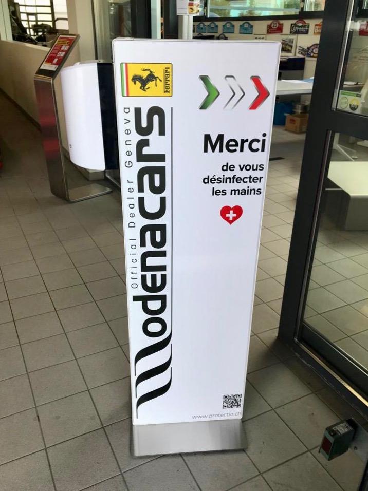 Distributeur solution hydroalcoolique safe station Modena cars Ferrari Protectio