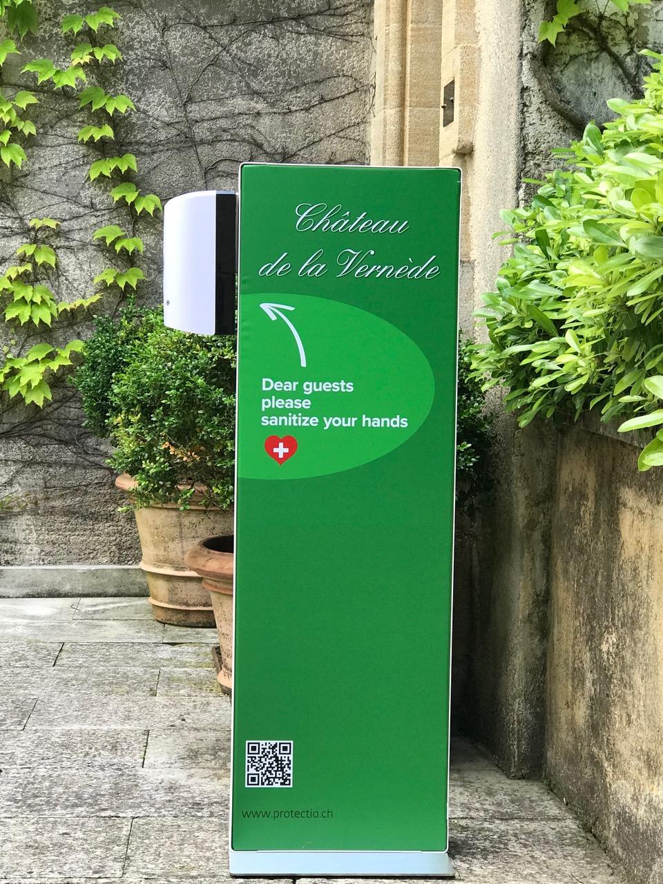 Distributeur solution hydroalcoolique safe station château Vernède Protectio